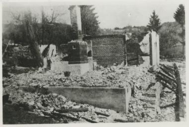 Nacisté vypalovali  vesnice a umučili desítky lidí. Do kapitulace zbývaly dny