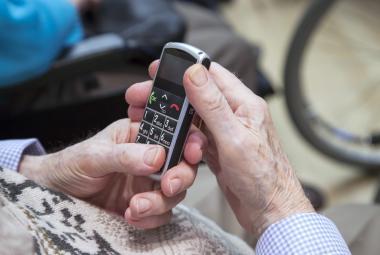 Telefon pro seniory
