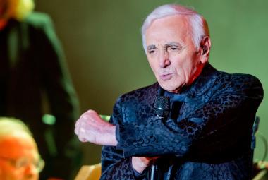 Žádné sbohem. Charles Aznavour vydává v 90 letech novou desku