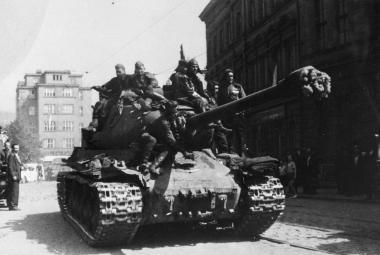 Rudá armáda osvobozovala osvobozené město