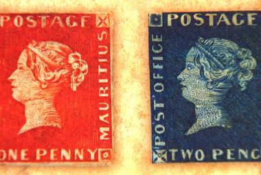 Červený a modrý mauritius