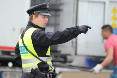 Policie na hranicích kontroluje auta