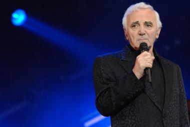 Charles Aznavour v 91 letech poprvé zazpívá v Česku