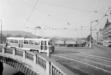 Legendární tramvaj T3 začala brázdit pražské ulice v listopadu 1962