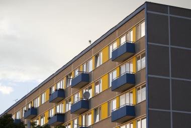 Sociální bydlení by podle analýzy ušetřilo až sto milionů ročně