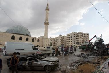 Škody po bombardování v Idlibu