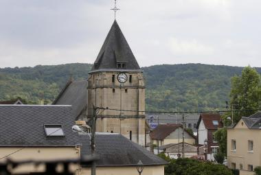 Věž kostela v Saint-Étienne du Rouvray