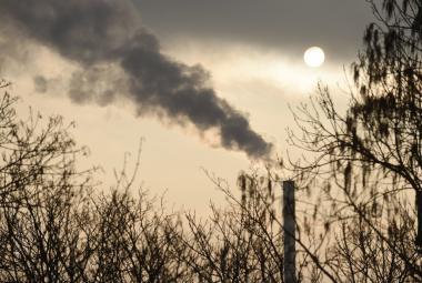 Města i stát plánují nová opatření proti smogu. Praha připravuje nový regulační řád