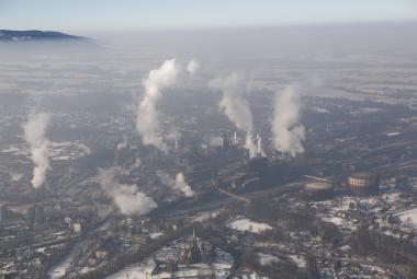 Milionová Praha, Zlínsko pod horami nebo ostravská aglomerace: Proč mají problém se smogem?