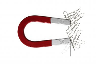 Magnet už nemusí být kovový. Čeští vědci prolomili letité dogma a vyvinuli magnetický uhlík