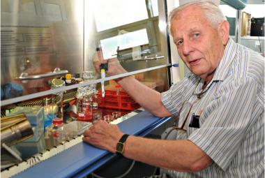 Zemřel profesor Jan Svoboda, jeden ze zakladatelů retrovirologie