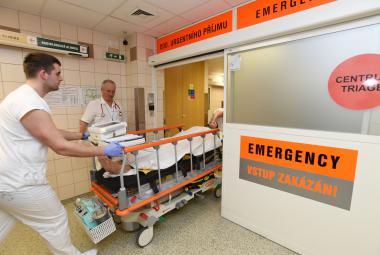 Větší šance pro pacienty s mrtvicí? Lékaři zachránili muže, který by dřív neměl šanci na uzdravení