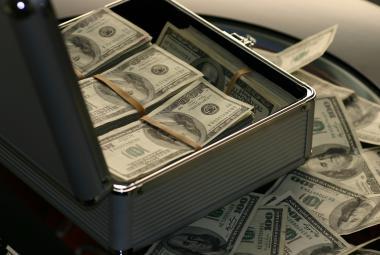 Nepoctivě vydělané peníze lidi netěší tolik jako ty získané spravedlivě, odhalila studie pomocí elektrošoků