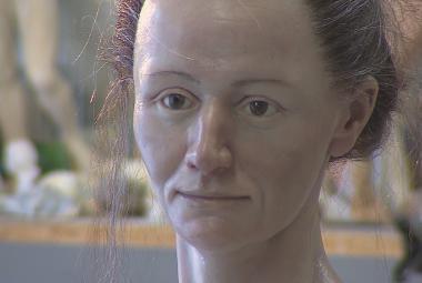 Vědci zrekonstruovali tvář šamanky z doby lovců mamutů