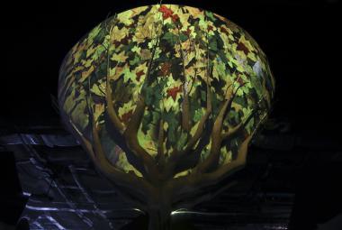 V Astaně startuje Expo nabité energií, Češi předvádějí elektroletoun
