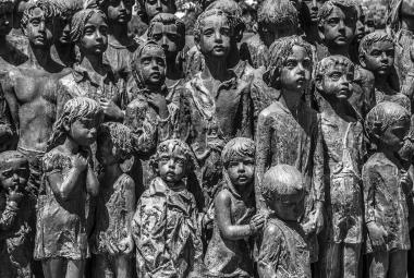 Nejmladší žena Lidic: Nacistickou zvůli nezastavila ani hrůza v očích malých dětí