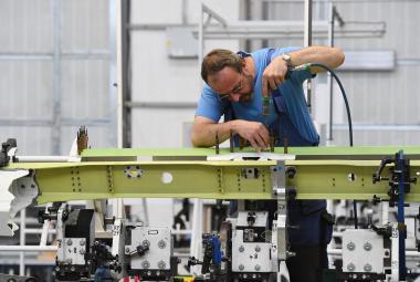 Výrobní hala pro letouny L-159 společnosti Aero Vodochody.