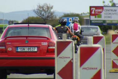 Na dálnici D8 před Prahou začíná rekonstrukce, potrvá čtyři měsíce