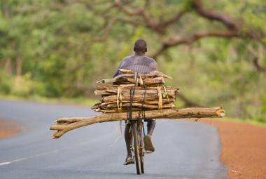 Jízdní kola pomáhají Africe: lidem dávají svobodu, navíc snižují emise