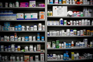 Opioidy a analgetika. Mezi Američany stále běžnější věc