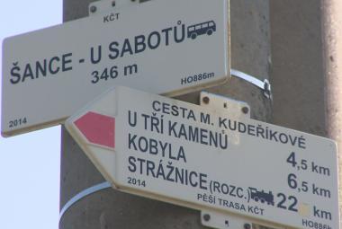 U Sabotů, Sidonie, Kasárna. Místa, kde dělení Československa klidné nebylo