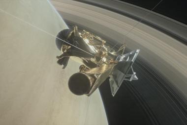 Sonda Cassini úspěšně zanikla řízeným vstupem do atmosféry Saturnu