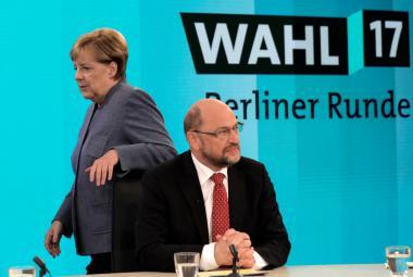 Merkelová chce mít vládu do Vánoc. Podle Schulze je ochotna k jakémukoliv ústupku