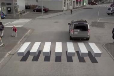 Island zavedl chytrý přechod pro chodce. Řidiče mate optickým trikem