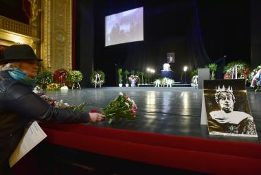 """Lidé se rozloučili s Janem Třískou, """"hercem, který dokázal stvořit pravdu o člověku"""""""