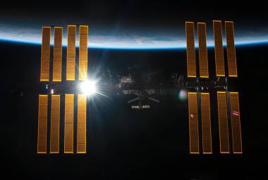 Papež František se dnes spojil s vesmírnou stanicí ISS. Mluvil o lásce