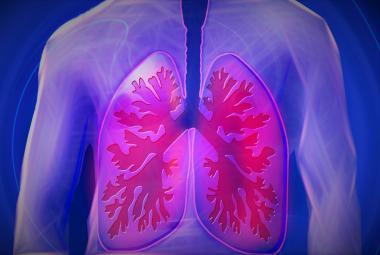 Polovině dlouhodobých kuřáků hrozí obstrukční plicní nemoc. Pojišťovny platí jen základní léčbu