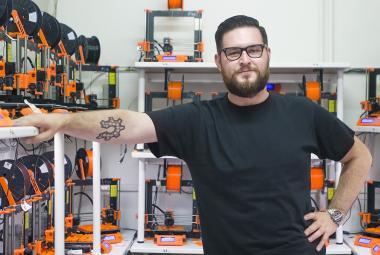 Josef Průša se prosadil s výrobou 3D tiskáren. Teď získal ocenění Podnikatel roku