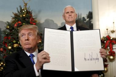 Donald Trump podepsal prohlášení, v němž USA uznávají Jeruzalém jako hlavní město Izraele