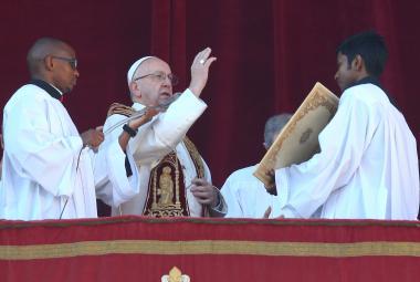 Dívejme se na migraci očima dětí, řekl v tradičním poselství Urbi et Orbi papež