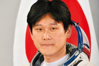 Japonský astronaut na ISS tvrdil, že vyrostl za tři týdny o devět centimetrů