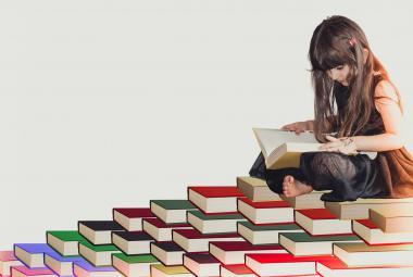České děti čtou víc než v minulosti, překvapila velká studie. U mládeže však literaturu vytlačují sociální sítě