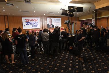 V Česku vyhrál byzantský, populistický a proruský Zeman, píší světová média