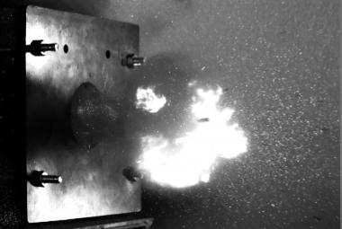 Výzkumníci v Brně testují speciální keramiku jako výplň neprůstřelných vest
