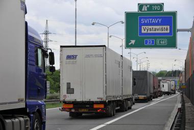 Kamiony na D1 u Brna