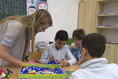 Hlavní překážkou inkluze jsou podle učitelů a ředitelů plné třídy, financování se zlepšilo