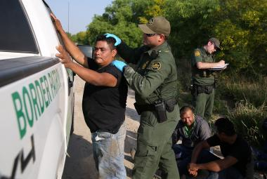 Migranti na hranici USA a Mexika