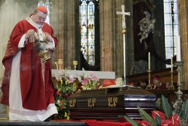 Kardinál Beran se vrátil do svatovítské katedrály, uctila jej slavnostní bohoslužba