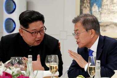 Kim Čong-un v rozhovoru se svým jihokorejským protějškem
