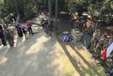 Pieta na čestném hřbitově v Motole připomněla oběti komunismu