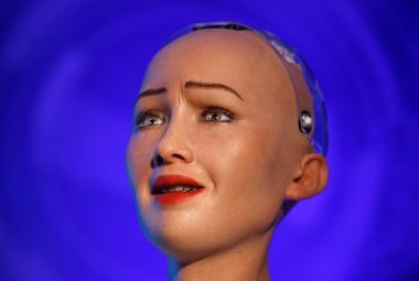 """Jak se dělá """"rozhovor"""" s humanoidní robotkou: Otázky tři týdny předem a žádná improvizace"""