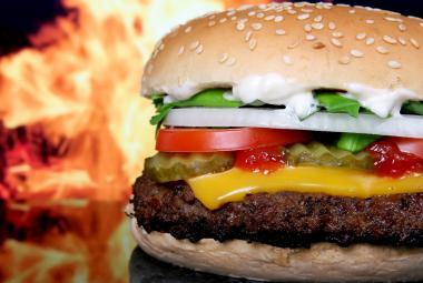 Zabijácké tuky chce WHO do pěti let vymýtit. Zdravotníci varují před margaríny i rychlým občerstvením