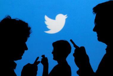 Čeští novináři na Twitteru: Vyjadřují názory redakce nebo své vlastní?