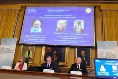 Nobelovu cenu za fyziku dostala trojice vědců za vývoj nástrojů ze světla. Po 55 letech je mezi oceněnými žena