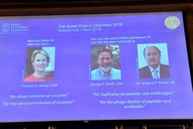 Nobelovu cenu 2018 za chemii dostali tři vědci za využití sil evoluce