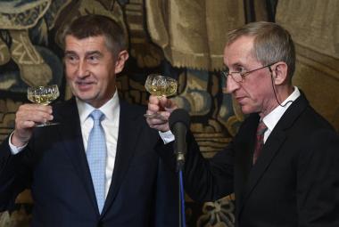 Cenu předsedy Rady pro výzkum, vývoj a inovace dostal popularizátor vědy Jaroslav Petr